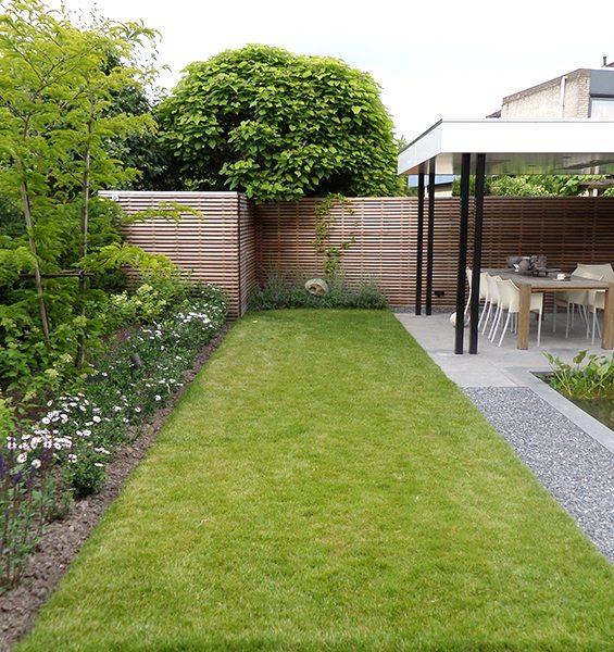 Hoveniersbedrijr voor uw tuin onderhoud van een strakke moderne tuin