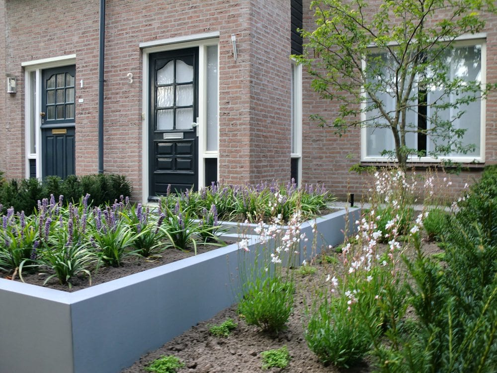 Tuinontwerp tuinaanleg in sint michielsgestel tuinman for Kleine voortuin ideeen foto s